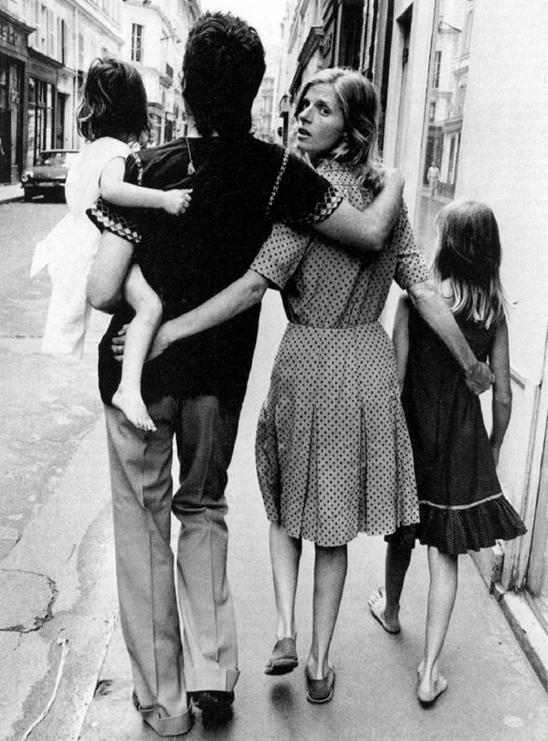 Linda McCartney with her husband Paul and daughters Heather and Mary by Alain DeJean.jpg