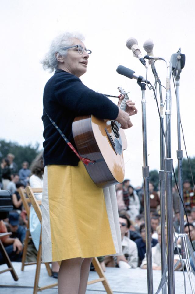 Malvina Reynolds Newport 1964