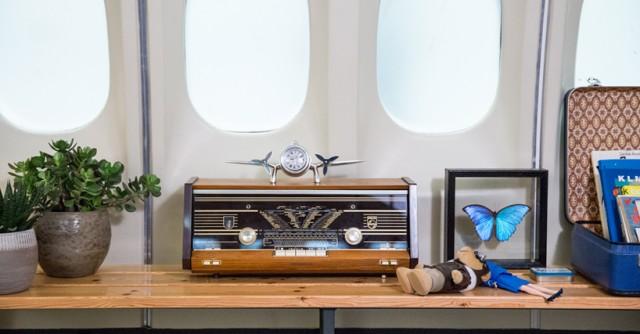 airbnb-KLM-plane-apartment-designboom-06
