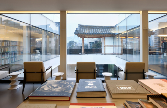 Share-Design-Blog_HC-design-library-by-ONE-O-One-Architects-06
