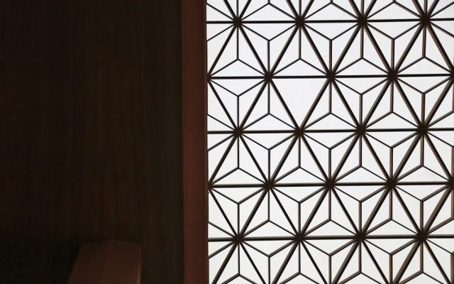 OKURA0515-lobby-shade-detail