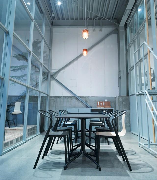 vitra-jo-nagasaka-blue-bottle-installation-tokyo-designboom-07